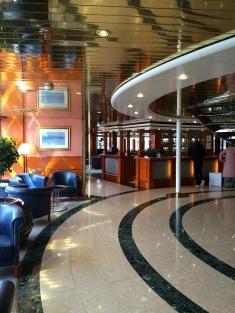 Yacht - Atrium