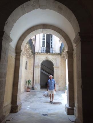 Siracusa Apt Entrance
