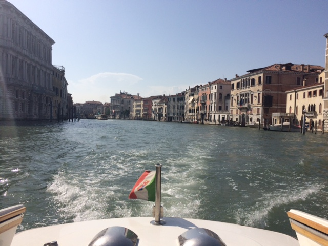 taxi - Grand Canal