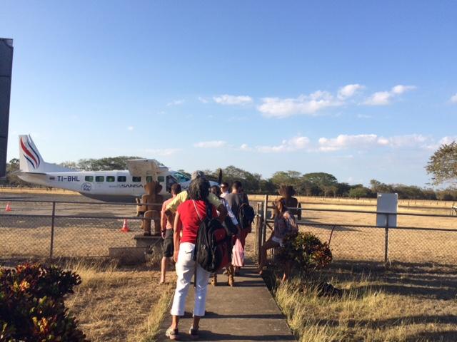 tamarindo-airport-gate