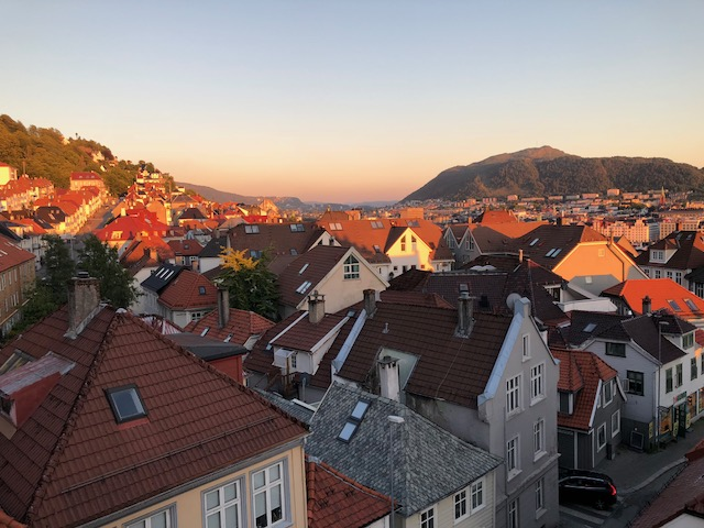 Bergen View Midnight Sun 2